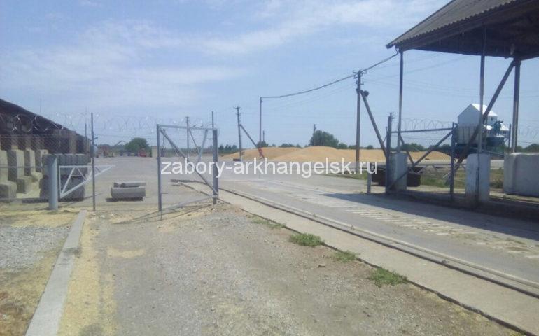 забор из сетки рабицы стоимость работ